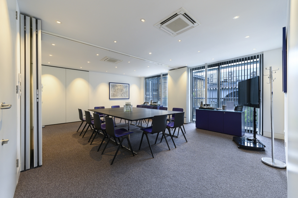 A large Business Space In Chelsea with meeting rooms, big enough to hold up to 30 people.