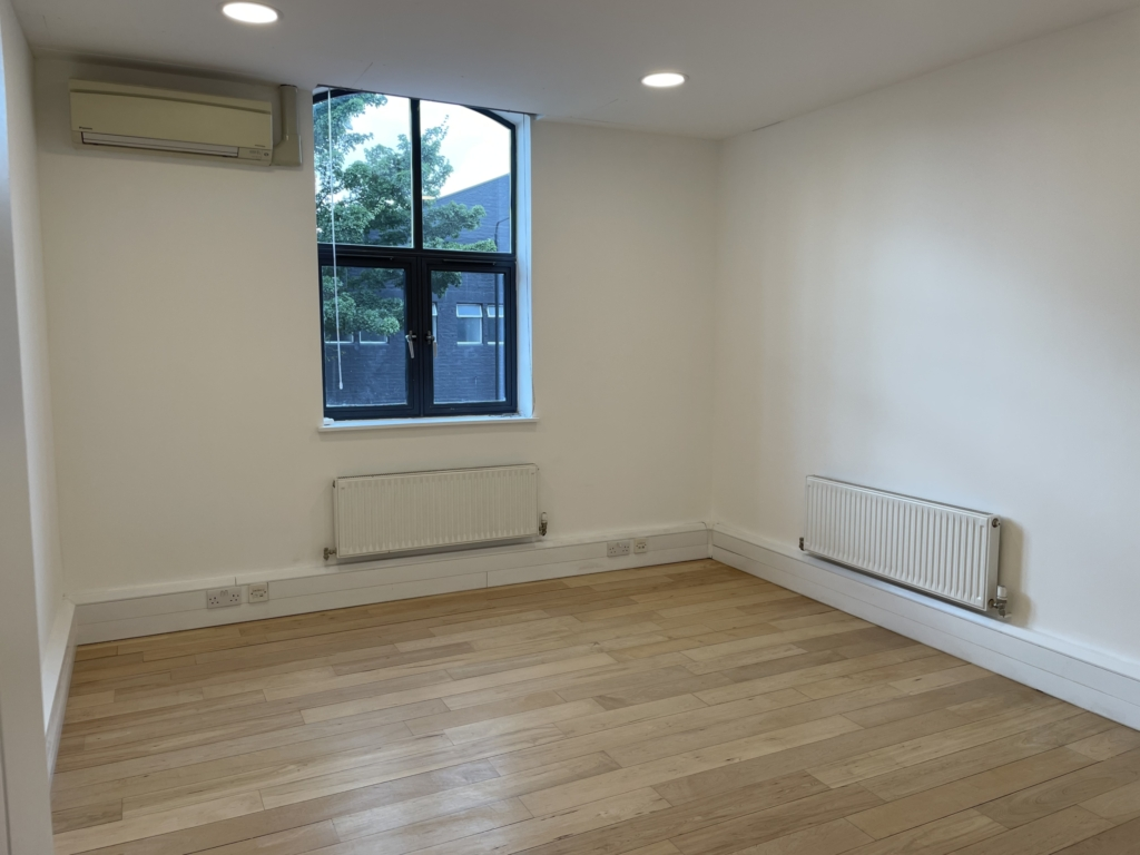Small office space available in Chelsea